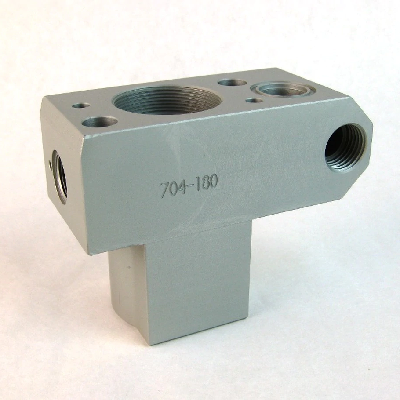 Titan 704-180 pump block (push In)